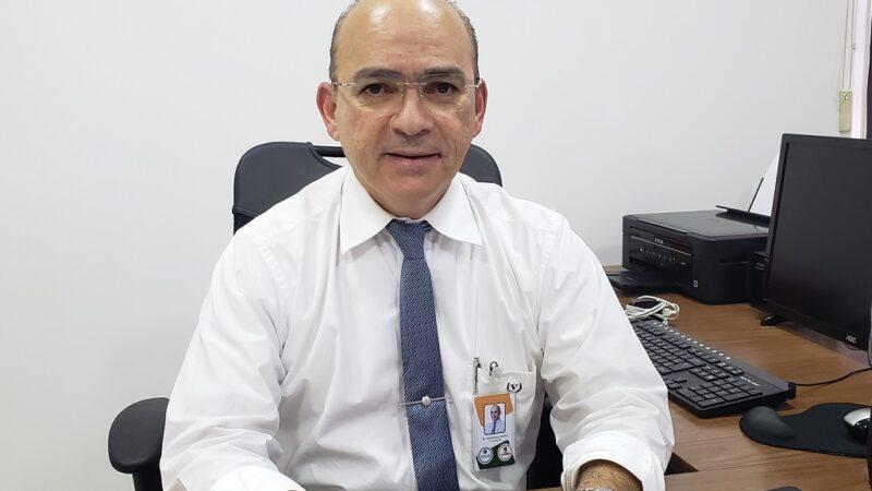 Dr. Gutemberg Fialho combate o Fake News da vacinação